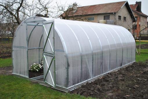 Kasvuhoone tunnel