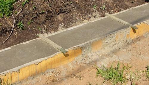 Kasvuhoone vundamendi valamine