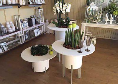 Lillepotid-isekastvad-lauaga_500x354